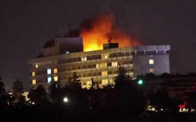 Afganistán: atacan y toman rehenes en el hotel Intercontinental de Kabul