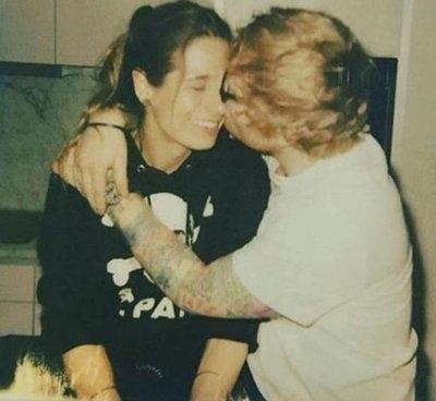 Ed Sheeran anuncia que se casa