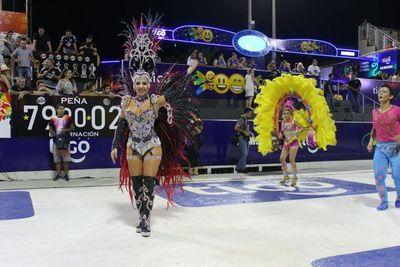 Vibrante y colorido carnaval encarnaceno