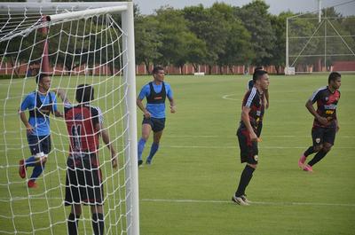 Empate y victoria para Cerro en su primer amistoso