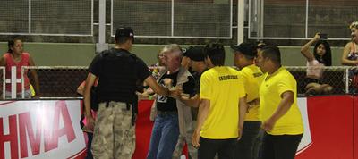 Organizadores del corso se desligan de brutal agresión a periodista
