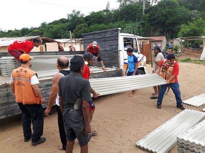 Evacuados por inundación llega a 18.000 en una semana