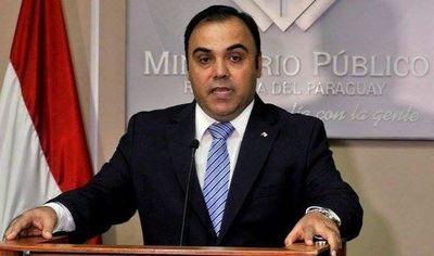 Díaz Verón pidió permiso mientras dure investigación