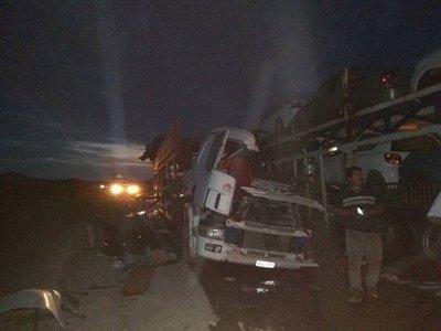CHILE: FALLECEN  DOS PARAGUAYOS EN BRUTAL CHOQUE