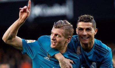 El Madrid alivia su crisis con una goleada en Mestalla