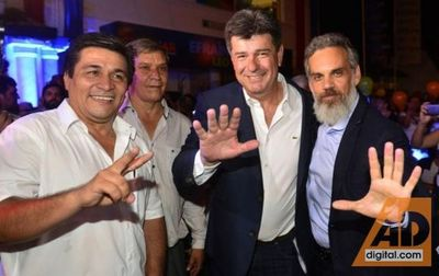 Alegre critica a Cartes por uso de recursos públicos en campaña