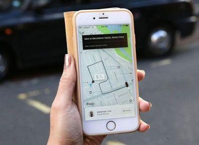 """Taxistas deberán """"adaptarse"""" a Uber"""