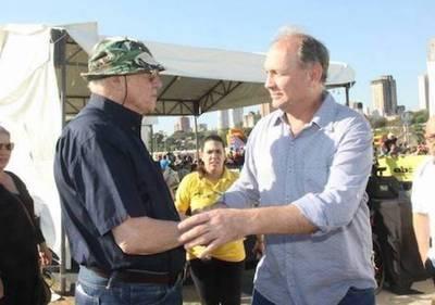 Ferreiro acusa el 'palo' de  Zuccolillo y defiende a 'los  8 mil culos pesados…'