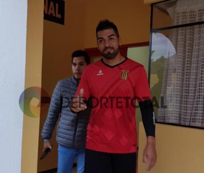 Otro paraguayo que va al aurinegro boliviano