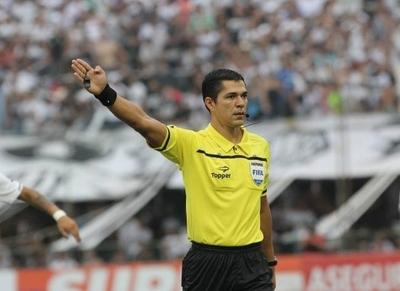 Mario Díaz de Vivar pitará el Superclásico