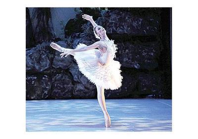 Maestra argentina ofrece capacitación a bailarines clásicos, en el  Teatro Municipal