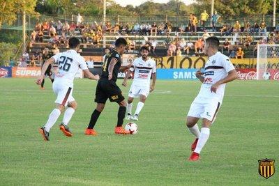 Guaraní vence a General Díaz con tres goles