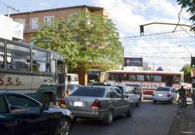 Buscan mejorar el tráfico en San Lorenzo con ayuda expertos españoles