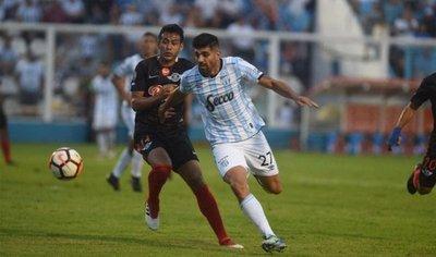 Libertad debuta en la Copa con un triunfazo en Tucumán