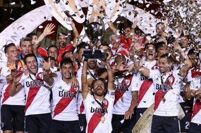 River levantó la Supercopa Argentina