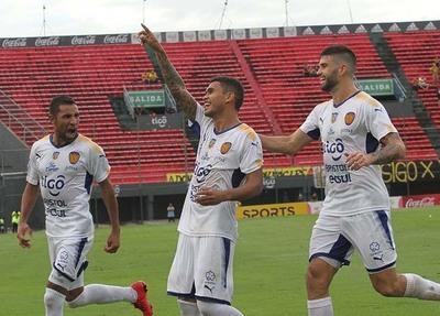 Luqueño resucitó con una gran goleada sobre Guaraní