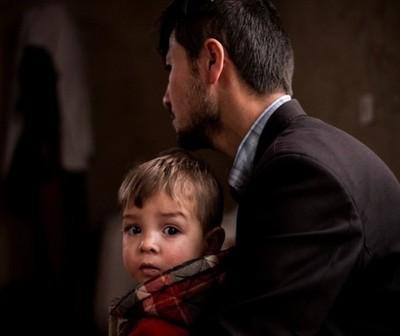 Un matrimonio afgano bautizó Donald Trump a su bebé