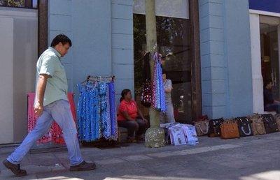 Palma se deteriora cada día por invasión de vendedores