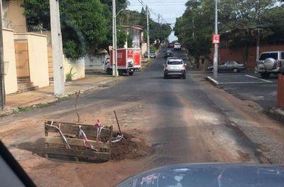Así se señalizan los baches en Asunción
