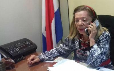 """Diputada califica de """"venganza política"""" sanción de ley de autoblindaje"""