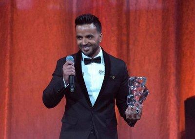 Luis Fonsi y Residente, brillo puertorriqueño en los Premios Latinos BMI