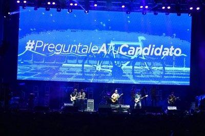 Llamado a candidatos en pleno concierto