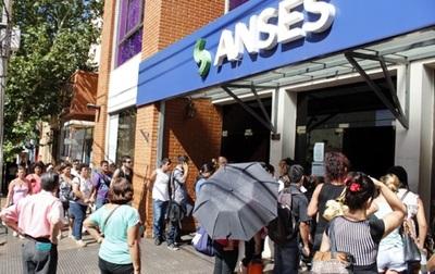 Argentina endurece medidas y deja sin jubilación a miles de paraguayos