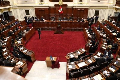 Congreso de Perú acepta la renuncia de Pedro Kuczynski