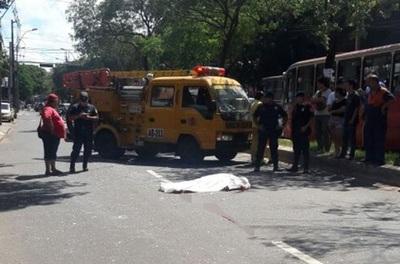Bus atropella y mata a anciano en microcentro