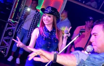 Marilina Bogado Emprendió Una Gira Musical Y Así Estuvo Acompañada