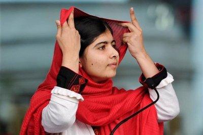 Malala abandona Pakistán tras una emocional visita