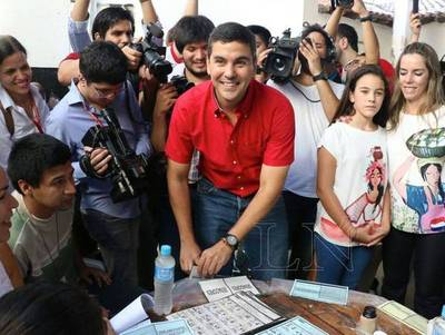 Santiago Peña será miembro de mesa en las elecciones