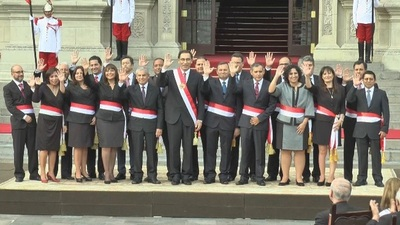 Presidente de Perú formó gobierno con técnicos experimentados en gestión