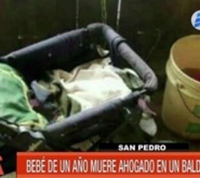 Bebé cae a balde con 4 litros de agua y muere ahogada