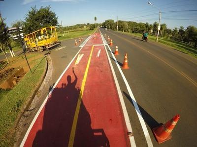 Reparan varias importantes avenidas en Hernandarias