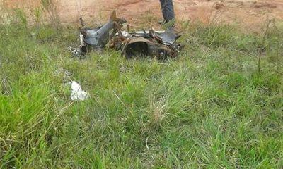Dos peques de 7 y 12 años omano moto ári