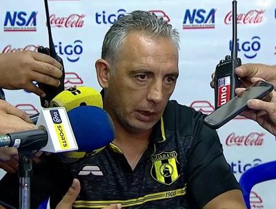 Fernando Burgo contento a medias con el empate