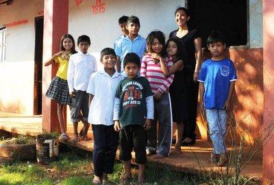 Escuelita indígena de CDE necesita tanque de agua y pista de formación