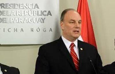 Director de Itaipú niega jubilación privilegiada