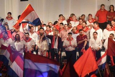 Abdo hace promesas a paraguayos de bien y familias