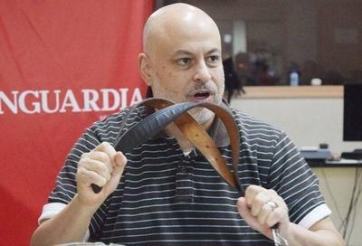 Payo Cubas advierte que habrá cintarazos si hacen jurar a Cartes