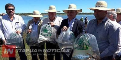 YA FUERON ENTREGADOS MÁS DE 100.000 ALEVINES A PRODUCTORES DE ITAPÚA