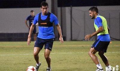 Topo Cáceres y Palito Pereira, dos refuerzos a la vista