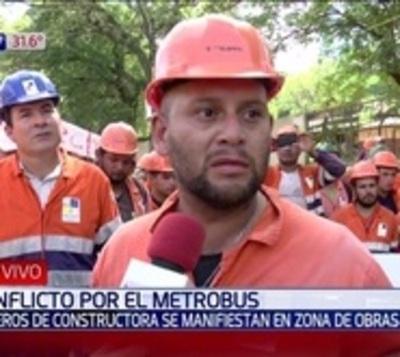 Metrobús: Obreros piden a vecinos que los dejen trabajar