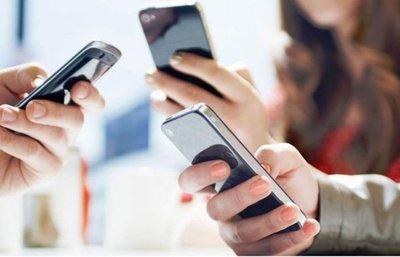 Instruyen a docentes en   uso de celulares en el aula