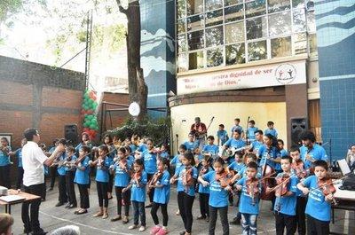 A través de la música, una escuela genera cambios en la Chacarita