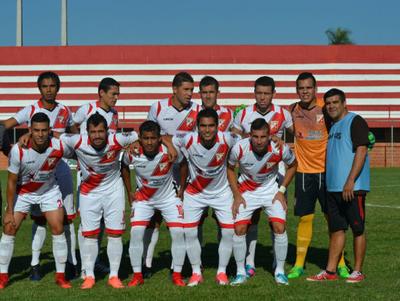 River Plate gana y sigue líder