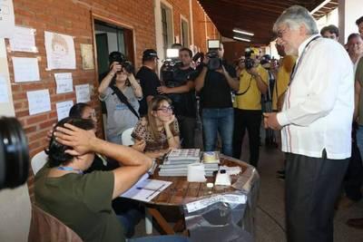 Lugo reconoce 'asperezas' en la alianza electoral