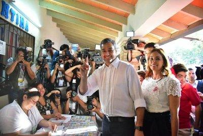 Marito depositó su voto en las urnas