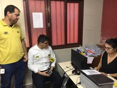 Periodistas denuncian ante la Fiscalía a la turba de Luque que los agredió